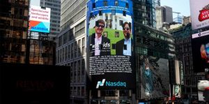 TwoMaids in TimeSquare