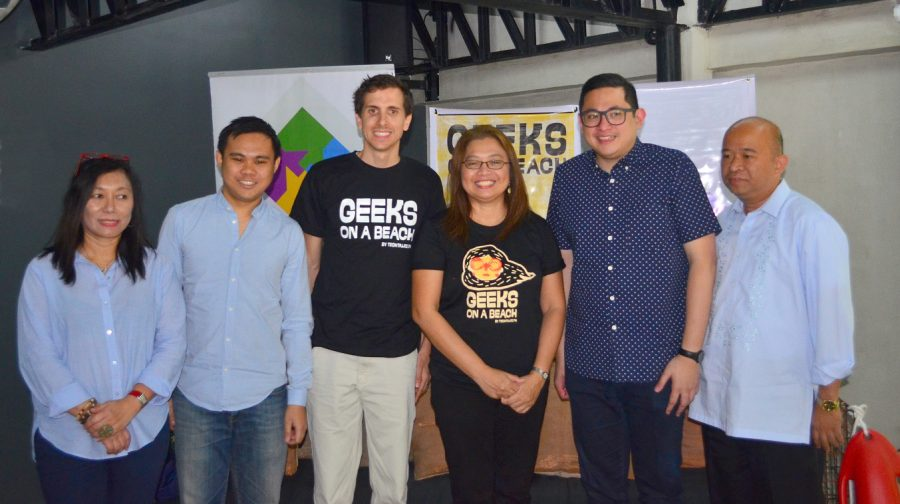 (l-r : Doris Mongaya - Founder & CEO of PR Works Inc.; Albert Padin-Co-founder & CTO of Sym.ph; Dave Overton - CEO of Sym.ph; Tina Amper- Instigator of Geeks on the Beach (GOAB) & Founder of TechTalks.ph; Sen. Bam Aquino ; Antonio Edward Padre of DICT Office-Visayas)
