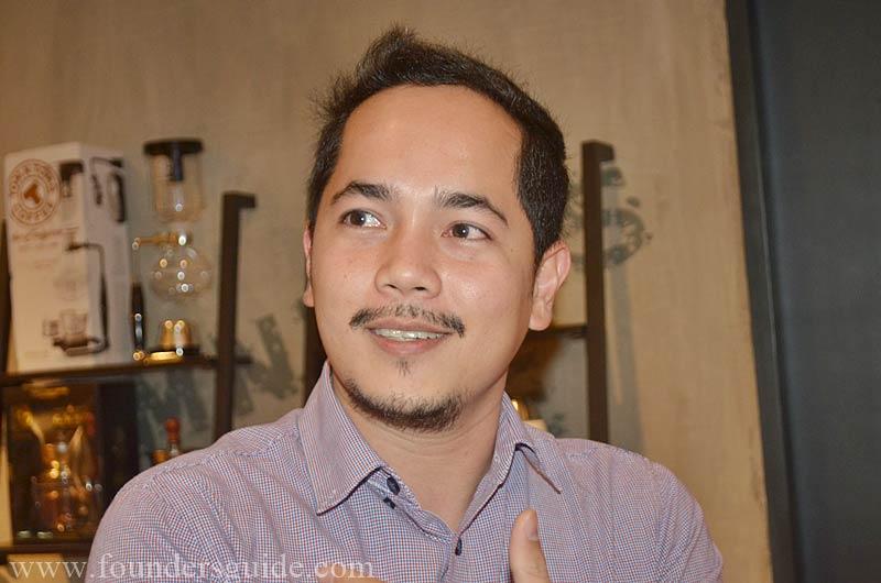 manager TNT Cebu General Manager Jay Alba