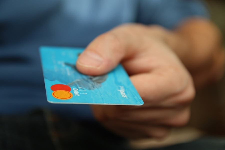 How to choose the right credit card processor for your business if youre in the process of launching a new business choosing a credit card processor will probably be fairly high on your to do list colourmoves