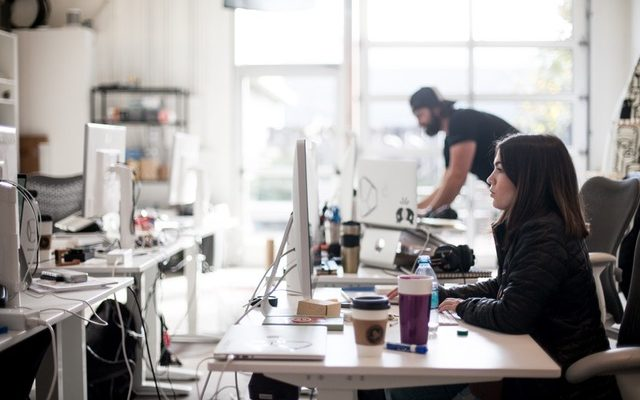 Customer Service on a Budget: 4 Tips for Small and Mid-Size Businesses