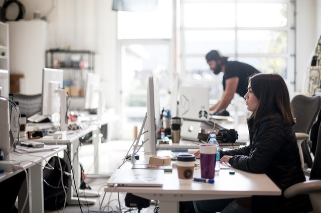 Customer Service on a Budget: 4 Tips for Small and Mid-Size Businesses | Founder's Guide