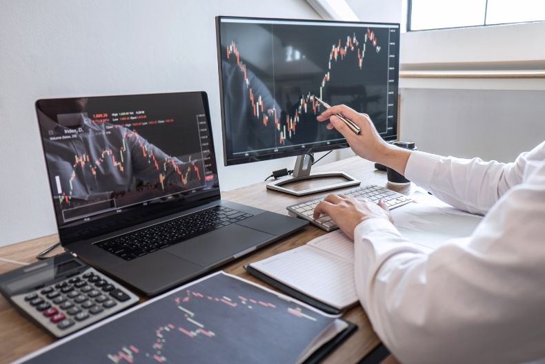 4 Data-Driven Methods to Improve Your Trading Decisions