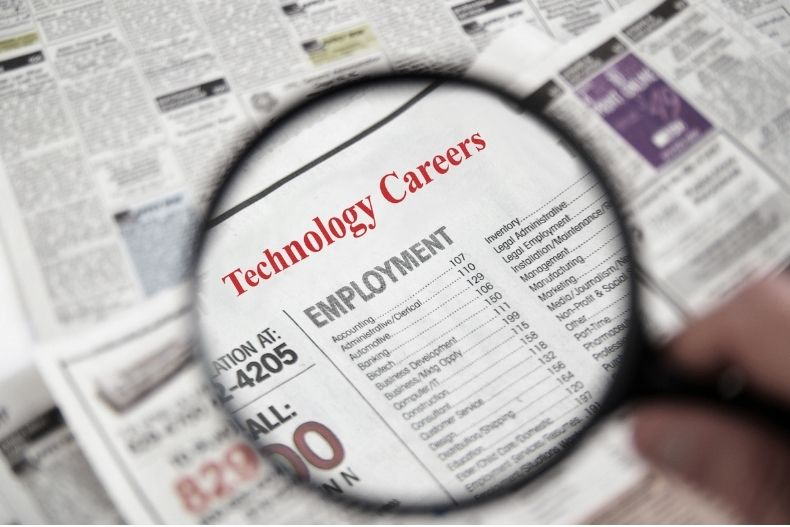 If you are an IT graduate with impressive qualifications and you have no idea your career choice, read on and find out popular tech jobs that you can consider after graduation.