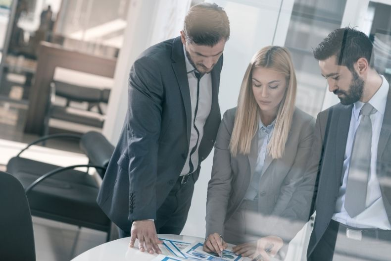 EFFECTIVE LEADERSHIP TIPS FOR C-SUITE ROLES